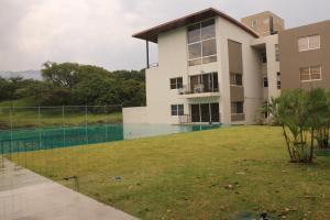 Apartamento En Ventaen Santa Ana, Santa Ana, Costa Rica, CR RAH: 16-697