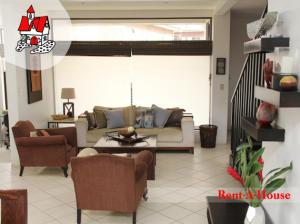 Casa En Venta En Guayabos De Curridabat, Curridabat, Costa Rica, CR RAH: 16-724