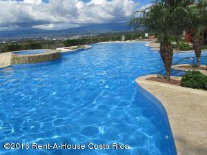 Apartamento En Alquiler En Santa Ana, Santa Ana, Costa Rica, CR RAH: 16-752