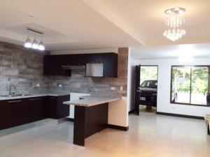Casa En Alquiler En Santa Ana, Santa Ana, Costa Rica, CR RAH: 16-768