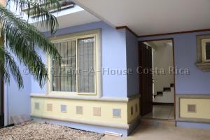 Casa En Alquiler En Ciudad Colon, Mora, Costa Rica, CR RAH: 16-774