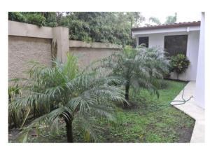 Casa En Venta En San Jose, Santa Ana, Costa Rica, CR RAH: 16-783