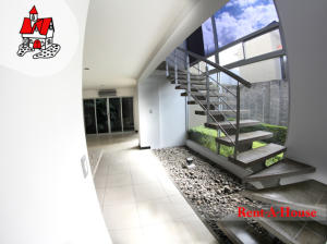 Casa En Alquiler En Santa Ana, Santa Ana, Costa Rica, CR RAH: 16-789