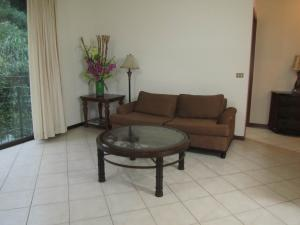 Apartamento En Alquiler En Escazu, Escazu, Costa Rica, CR RAH: 16-802