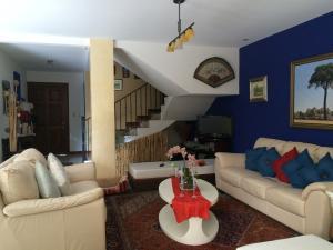 Casa En Venta En Guachipelin, Escazu, Costa Rica, CR RAH: 16-806