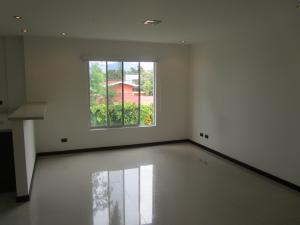 Apartamento En Alquiler En La Uruca, San Jose, Costa Rica, CR RAH: 16-829