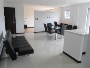 Apartamento En Alquiler En La Uruca, San Jose, Costa Rica, CR RAH: 16-831