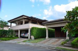 Casa En Alquiler En Santa Ana, Santa Ana, Costa Rica, CR RAH: 17-1
