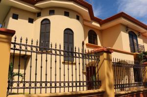 Casa En Venta En Belen, Belen, Costa Rica, CR RAH: 17-2