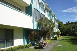 Apartamento En Venta En Tibas, Tibas, Costa Rica, CR RAH: 17-22
