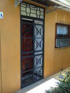 Casa En Alquiler En Santa Ana, Santa Ana, Costa Rica, CR RAH: 17-35