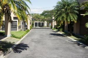 Apartamento En Venta En Santa Ana, Santa Ana, Costa Rica, CR RAH: 17-55