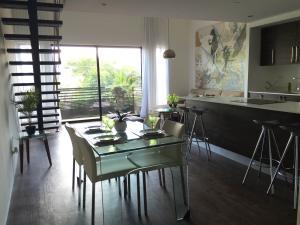 Apartamento En Alquiler En Santa Ana, Santa Ana, Costa Rica, CR RAH: 17-57