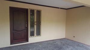 Casa En Venta En Escazu, Escazu, Costa Rica, CR RAH: 17-72