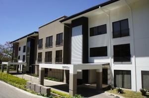 Apartamento En Alquiler En Santa Ana, Santa Ana, Costa Rica, CR RAH: 17-74