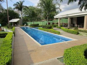 Apartamento En Alquiler En Pozos, Santa Ana, Costa Rica, CR RAH: 17-89