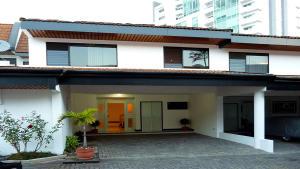Casa En Alquiler En San Jose, San Jose, Costa Rica, CR RAH: 17-117
