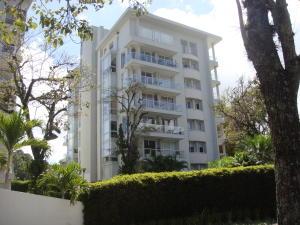 Apartamento En Alquiler En Escazu, Escazu, Costa Rica, CR RAH: 17-124