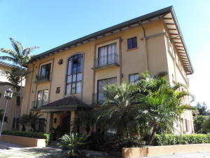 Apartamento En Alquiler En San Rafael Escazu, Escazu, Costa Rica, CR RAH: 17-136