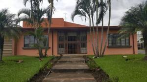 Casa En Venta En Trejos Montealegre, Escazu, Costa Rica, CR RAH: 17-162