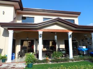 Casa En Venta En Ciudad Cariari, Belen, Costa Rica, CR RAH: 17-175