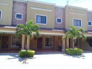 Casa En Alquiler En Santa Ana, Santa Ana, Costa Rica, CR RAH: 17-181
