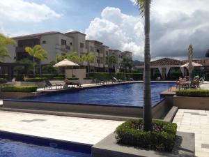 Apartamento En Alquiler En Santa Ana, Santa Ana, Costa Rica, CR RAH: 17-196