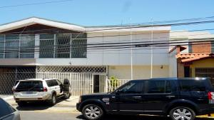 Casa En Alquiler En San Jose, San Jose, Costa Rica, CR RAH: 17-216