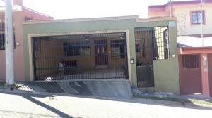 Casa En Alquiler En Barva De Heredia, Barva, Costa Rica, CR RAH: 17-247