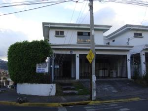Casa En Venta En Curridabat, Curridabat, Costa Rica, CR RAH: 17-289