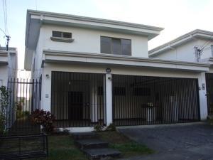 Casa En Venta En Curridabat, Curridabat, Costa Rica, CR RAH: 17-290