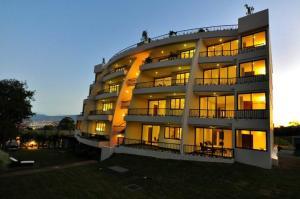 Apartamento En Venta En San Antonio, Escazu, Costa Rica, CR RAH: 17-258