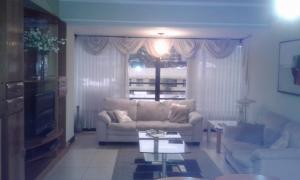 Apartamento En Venta En Trejos Montealegre, Santa Ana, Costa Rica, CR RAH: 17-262