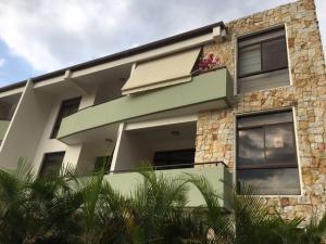 Apartamento En Alquiler En Santa Ana, Santa Ana, Costa Rica, CR RAH: 17-274