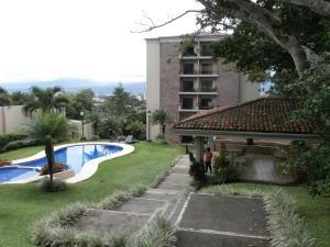 Apartamento En Alquiler En Escazu, Escazu, Costa Rica, CR RAH: 17-275