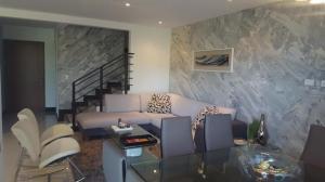 Casa En Alquileren Santa Ana, Santa Ana, Costa Rica, CR RAH: 17-280