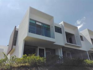 Casa En Venta En San Antonio, Escazu, Costa Rica, CR RAH: 17-311