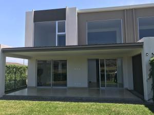 Casa En Venta En Guachipelin, Escazu, Costa Rica, CR RAH: 17-320