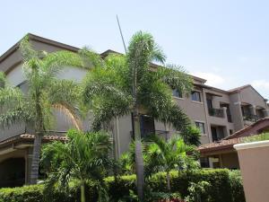Apartamento En Alquiler En Pozos, Santa Ana, Costa Rica, CR RAH: 17-328