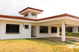 Casa En Alquiler En La Guacima, Alajuela, Costa Rica, CR RAH: 17-333