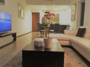 Apartamento En Alquiler En Santa Ana, Santa Ana, Costa Rica, CR RAH: 17-349