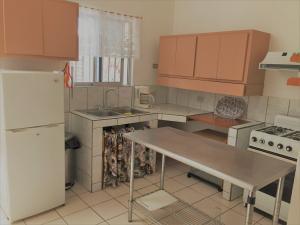 Apartamento En Alquiler En Santa Ana, Santa Ana, Costa Rica, CR RAH: 17-350