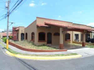 Casa En Alquiler En San Francisco De Heredia, Heredia, Costa Rica, CR RAH: 17-358