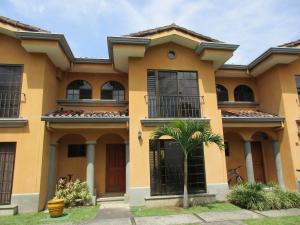 Casa En Alquiler En Escazu, Escazu, Costa Rica, CR RAH: 17-351