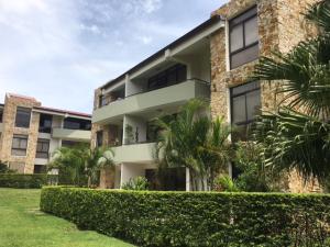 Apartamento En Alquiler En Santa Ana, Santa Ana, Costa Rica, CR RAH: 17-371