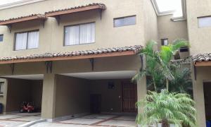 Casa En Alquiler En Pozos, Santa Ana, Costa Rica, CR RAH: 17-374
