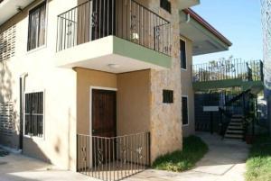 Apartamento En Alquiler En Santa Ana, Santa Ana, Costa Rica, CR RAH: 17-380