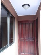 Apartamento En Alquiler En Santa Ana, Santa Ana, Costa Rica, CR RAH: 17-393