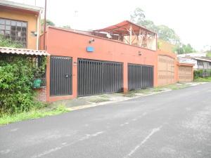 Casa En Venta En Sabanilla, Montes De Oca, Costa Rica, CR RAH: 17-405