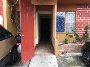 Apartamento En Alquiler En Zapote, San Jose, Costa Rica, CR RAH: 17-406